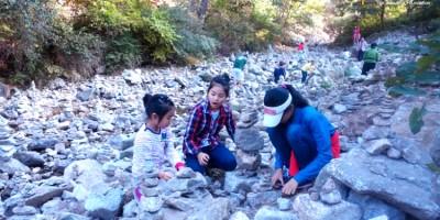 자 무겁게(?) 떠나 볼까! : 충청지역 희망가게 창업주들의 가족여행